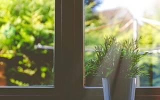 Как заклеить окна фольгой