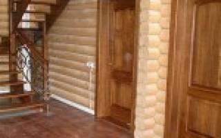 Как правильно поставить дверь в деревянном доме?