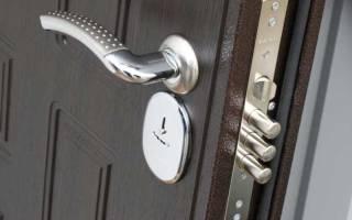Как поменять замок на металлической входной двери?