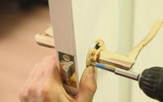 Как поменять дверную ручку на межкомнатную дверь?