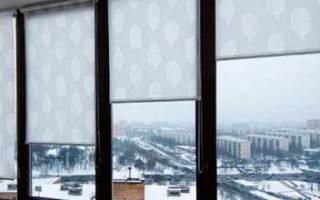 Как крепятся рулонные жалюзи на пластиковые окна