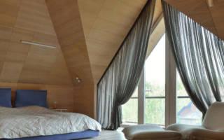 Оформление треугольного окна шторами